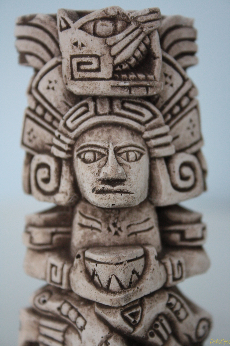 the aztec art Primary function of aztec art was to express religious and mythical concepts that  would legitimize the power of the state artistic language spoke for the most part.